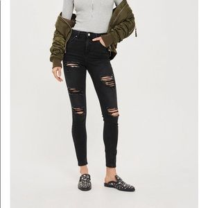 Topshop Jamie washes black super ripped jeans